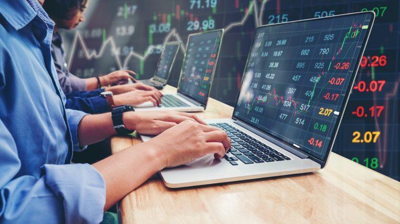 Investors / Team
